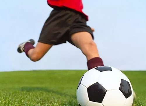 kicking2.jpg